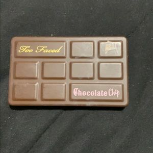 Too faced small pallet